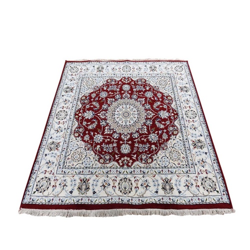 Red Square Nain Wool And Silk 250 KPSI Hand Knotted Oriental Rug