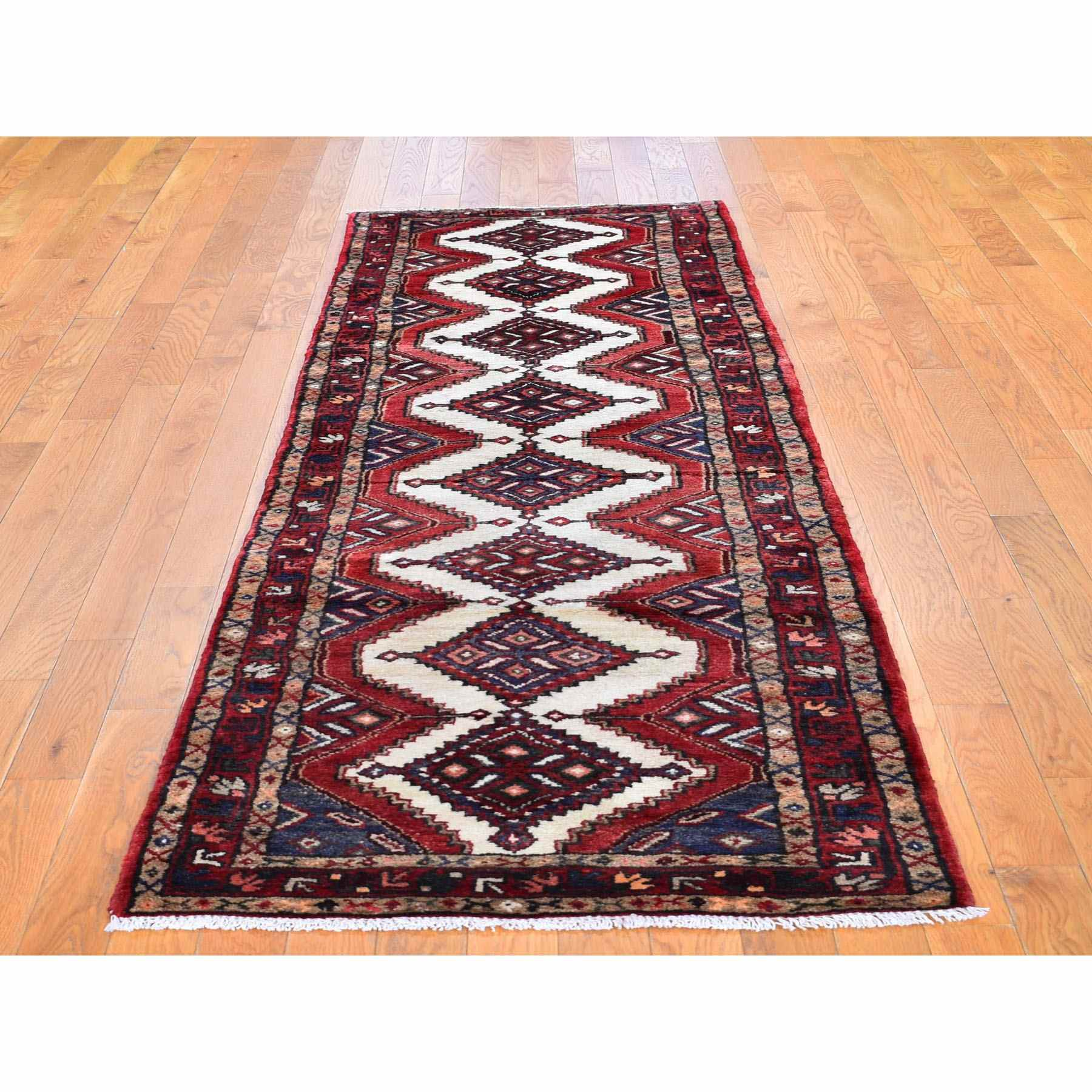 Persian-Hand-Knotted-Rug-246080